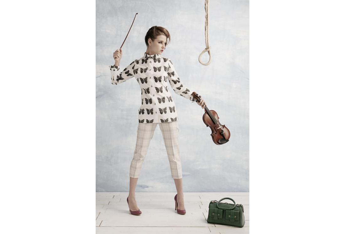 Laura Pietra - fotografo di moda tema Magritte