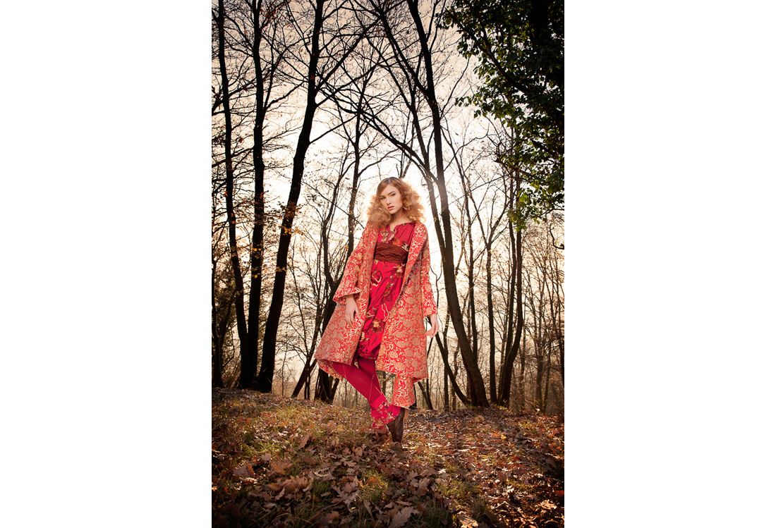 Laura Pietra - book fotografico di moda tema Wood